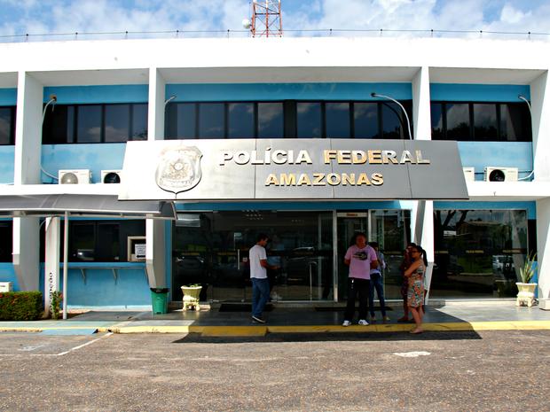 Alguns dos alvos da operação foram depor na sede da PF em Manaus (Foto: Suelen Gonçalves/G1 AM)