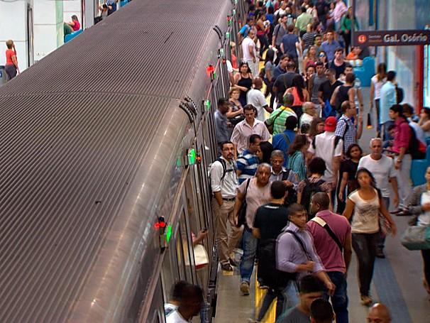 Ajudar o fluxo tranquilo de pessoas pela cidade também é função do prefeito (Foto: Globo)