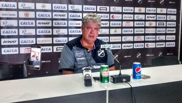 Geninho técnico do ABC (Foto: Luiz Henrique/GloboEsporte.com)