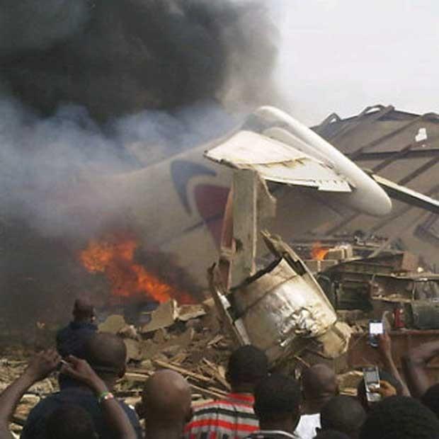 Mais de 150 pessoas estavam a bordo do avião. (Foto: Reuters)