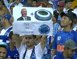 Torcida do Cruzeiro provoca Felipão (Foto: Reprodução \Sportv)