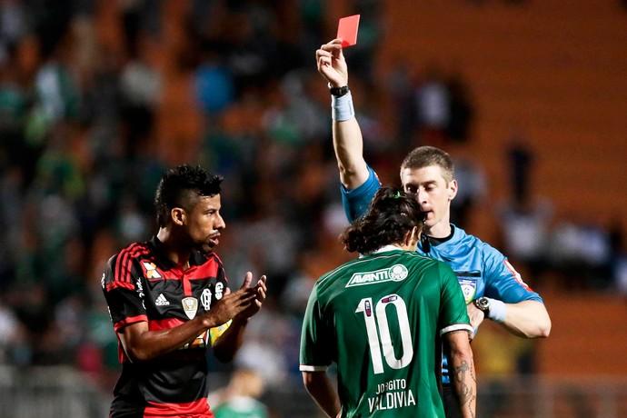 Léo Moura e Valdivia, Flamengo x Palemiras (Foto: Ale Cabral / Ag. Estado)