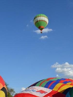 Balão nos céus de Ribeirão Preto (Foto: Fernanda Testa)