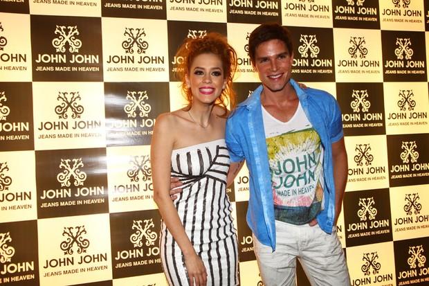 Sophia Abrahão e Jonatas Faro (Foto: Iwi Onodera / EGO)