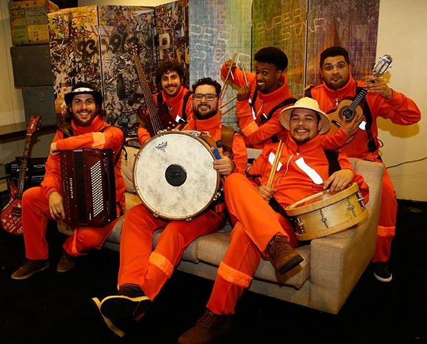Dona Zaíra abriu a última noite de Aduições do SuperStar (Foto: Raphael Dias / Gshow)