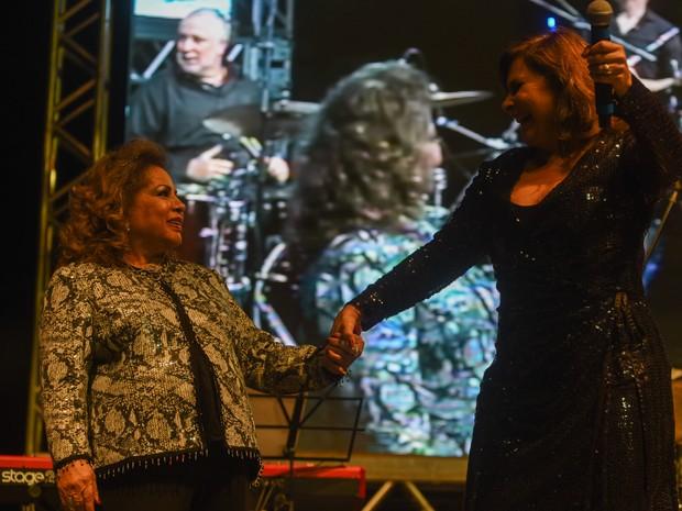 As cantoras Ângela Maria e Fafá de Belém cantaram juntas no tributo a Cauby Peixoto na Virada Cultural de São Paulo (Foto: Flavio Moraes/G1)
