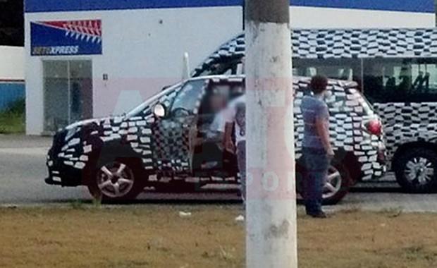 Novo jipinho da Fiat clicado em testes (Foto: Paulo Roberto Cunha)