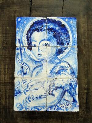 Apesar de parecer azulejo, pinturas foram feitas em papel machê. (Foto: Divulgação / Secult PE)