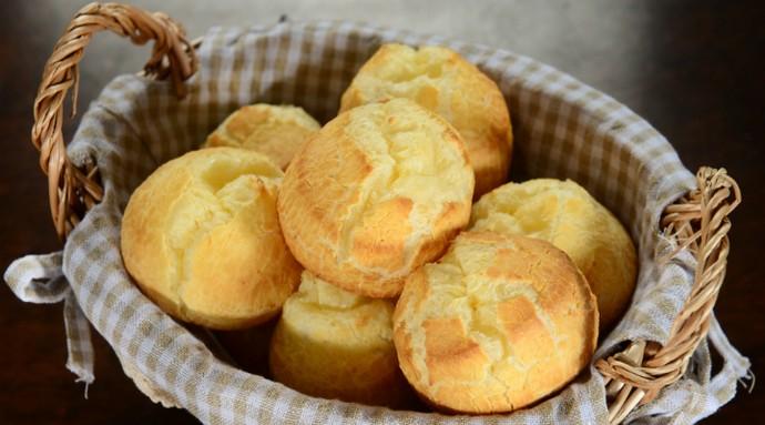 Pão de queijo é o favorito da diretora Anaisa (Foto: Tô Indo/Divulgação)