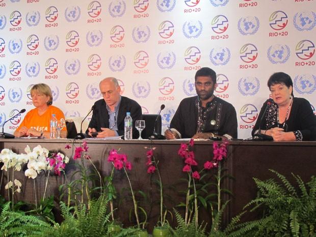 Representantes da Oxfam, Greepeace e ITUC falam sobre os resultados da Rio+20 (Foto: Darlan Alvarenga/G1)