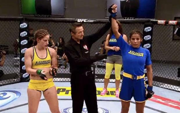 Julianna Peña Sarah Moras TUF MMA (Foto: Reprodução/Combate)