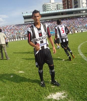 Atacante Lucas Gomes fez parte do elenco do São Raimundo em 2015 (Foto: Elailson Gomes)