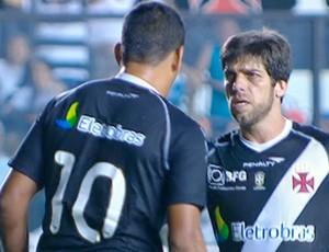 Juninho Pernambucano manda recado para Diego Souza (Foto: Reprodução SporTV)