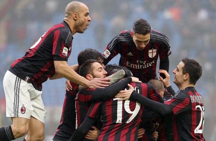 Milan x Genoa (Foto: EFE)