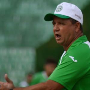 Ney da Matta técnico Guarani (Foto: Oscar Herculano Jr / EPTV)