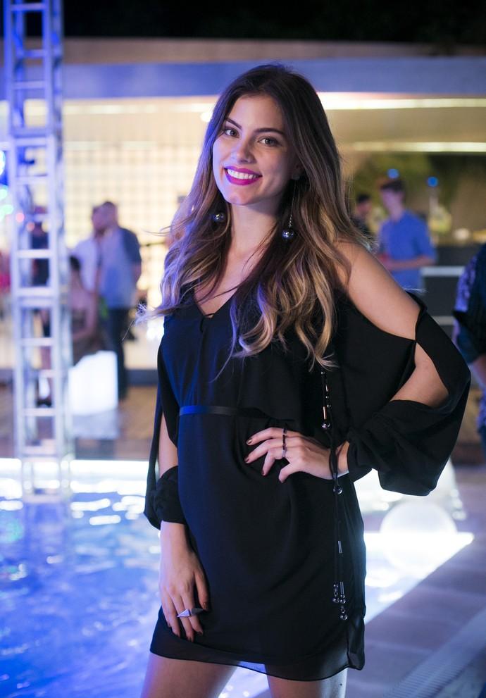 Camila foi de all black, que sempre cai bem (Foto: Raphael Dias/Gshow)
