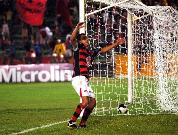 Edmundo no Campinense (Foto: Edmundo disputou a Série B de 2009 pelo Campinense)