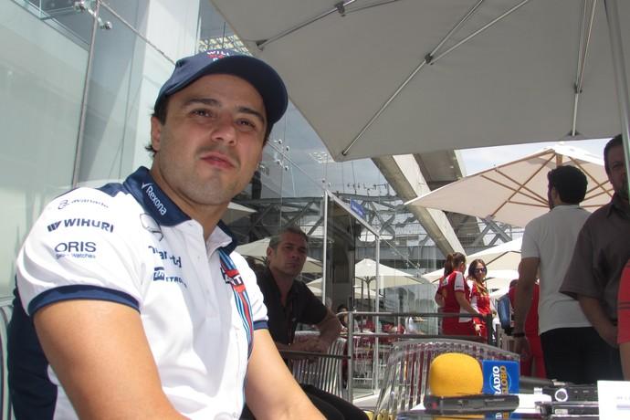 Felipe Massa no paddock de Interlagos, palco do GP do Brasil (Foto: Felipe Siqueira)