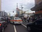Ônibus não param em ponto e grupo bloqueia a Reta da Penha, em Vitória