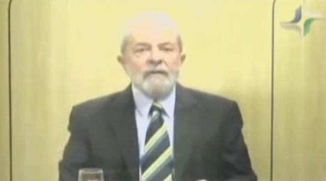 'Foi numa sala alugada que eu recebi vários delegados', diz Lula
