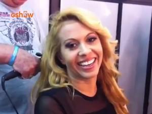Joelma nos bastidores do Vídeo Show (Foto: Gshow)