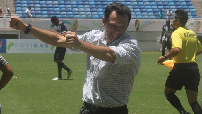 Fernando Tonet - técnico do Alecrim (Foto: Fabiano de Oliveira)