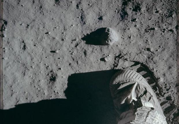 Trump pede à Nasa que envie novamente astronautas americanos à Lua