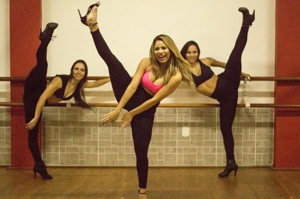 Lexa com suas bailarinas (Foto: Reprodução/Instagram)