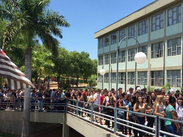 Estudantes participam do Enem em Presidente Prudente (Foto: Heloise Hamada/G1)