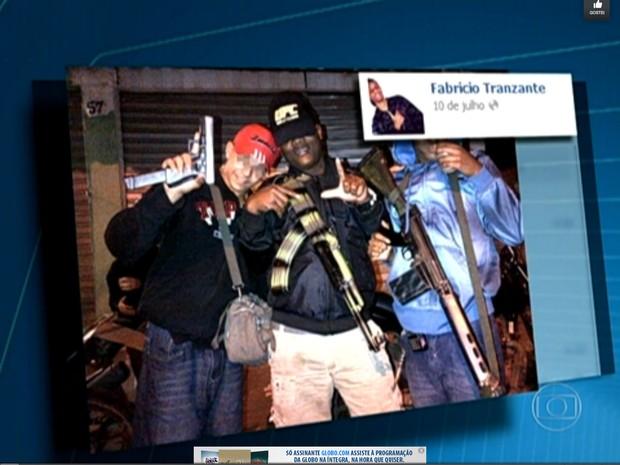 Crimonosos se exibem em redes sociais (Foto: Reprodução / TV Globo)