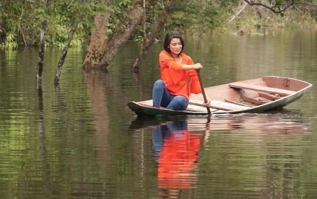 Rosiane Chagas visita reserva do Rio Unini (Foto: Rede Amazônica)