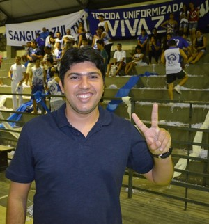 Técnico do Vivaz, Osmar Júnior agora foca na Taça Brasil de Futsal (Foto: Tércio Neto/GloboEsporte.com)