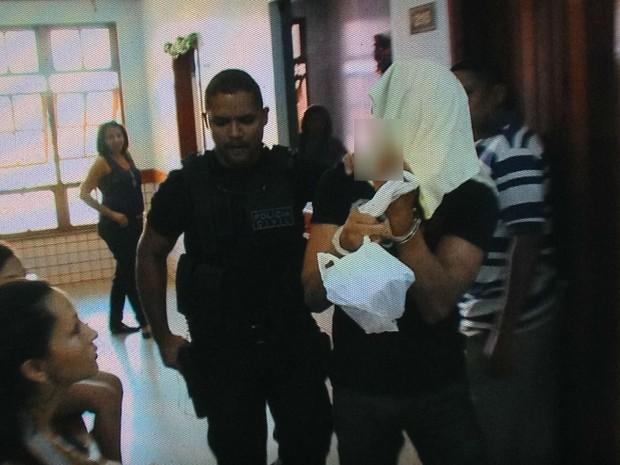 Soldado do exército de 22 anos, preso suspeito de assalto em Macapá (Foto: Dyepeson Martins)