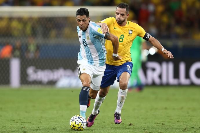 Renato Augusto Brasil x Argentina (Foto: AFP)