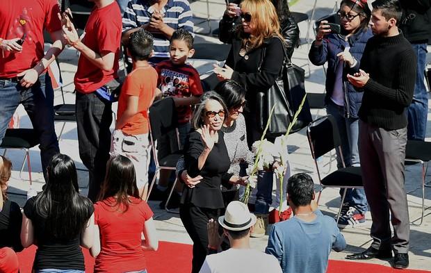 Florinda Meza no velório de Bolaños (Foto: Alfredo Estrella/AFP)