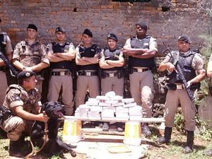 Barbacena droga apreendida (Foto: Polícia Militar/Divulgação)