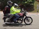 Assembleia de SP aprova projeto de lei que proíbe garupa em motos