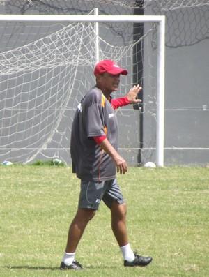 Roberval Davino, técnico do CRB (Foto: Caio Lorena / GloboEsporte.com)