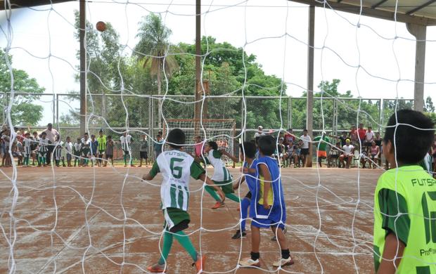Jogos Indígenas integram crianças em área de conflito por terras em MS (Foto: Gabriela Pavão)