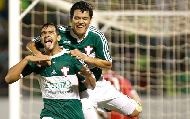 Henrique comemora gol do Palmeiras contra o Figueirense (Foto: Getty Images)