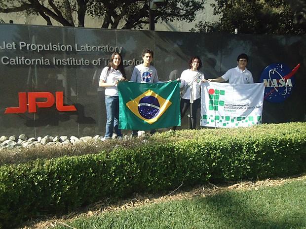 Brasileiros no JPL (Foto: Arquivo pessoal)