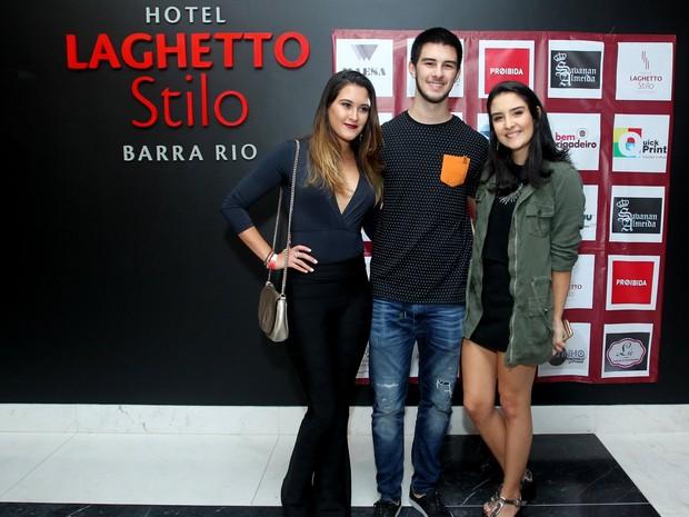 Vinicius, Laura e Beatriz (Foto: Marcello Sá Barretto)