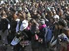 Japão para por 1 minuto por vítimas de terremoto e tsunami