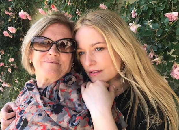 Luciana Vendramini com a mãe na Toscana (Foto: Reprodução/Instagram)