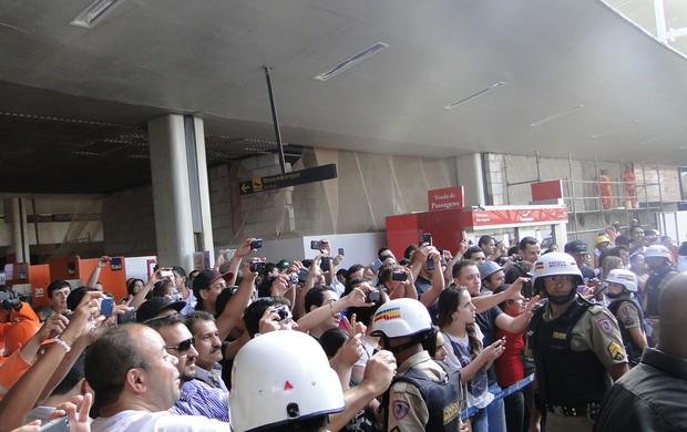 Torcida, Atlético-MG, aeroporto de Confins (Foto: Gabriel Medeiros / Globoesporte.com)
