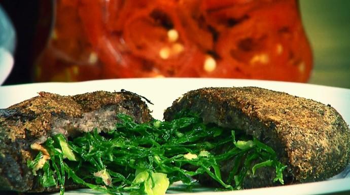 Bolinho de feijoada é dica no quadro Segredos da Cozinha, com Fernando Kassab (Foto: reprodução EPTV)