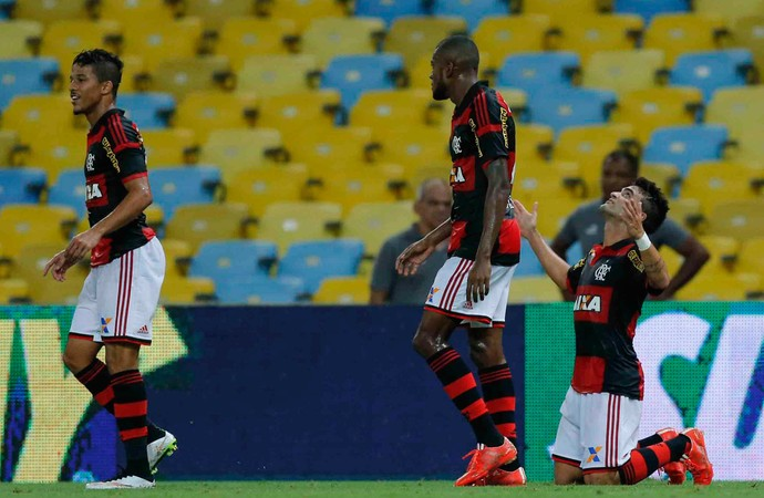 Arthur Maia gol Flamengo (Foto: Alexandre Cassiano / O Globo)