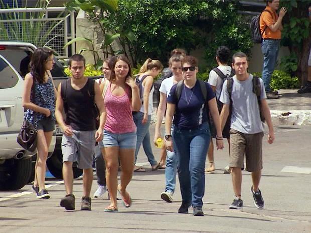 Sem férias, alunos da Unifal retomam estudos em pleno mês de janeiro (Foto: Reprodução EPTV)