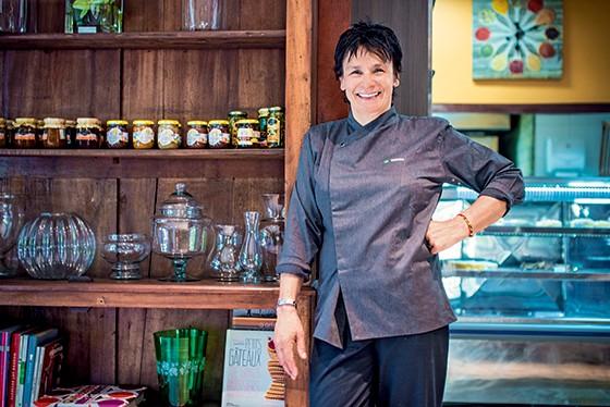 a chef francesa Véronique Melloul, dona do badalado restaurante Au Bord de la Source, na França (Foto: Foto: Leo Castro)