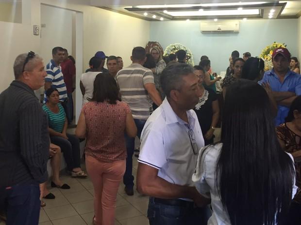 PM Vanilson João Pereira é velado em Itumbiara, Goiás (Foto: Murillo Velasco/ G1)